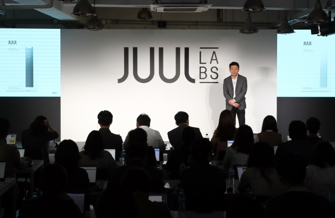 Juul Labs, the manufacturer of a new type of e-cigarettes holds a press conference in Seoul on May 22, 2019, to showcase it new product and outline its future plans. (Yonhap)