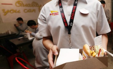 In-N-Out Burger Opens Pop-up Store in Seoul