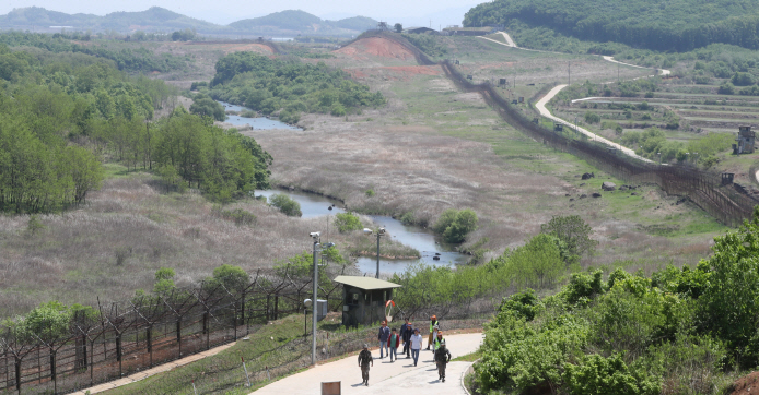 A trekking course of the DMZ Peace Trail in Cheorwon, Gangwon Province, on May 23, 2019. (Yonhap)