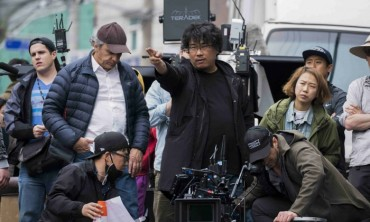 S. Korea's First Palme d'Or Winner Sounds Alarm for Broadcasting Industry