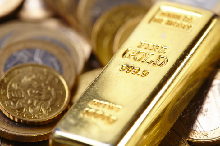 The outstanding performance of gold came as the local stock market took a hit from an extended economic slump. (image: Korea Bizwire)