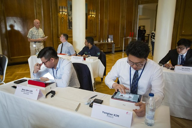 Kim Yong-tae (R), a steel engineer at POSCO, competing at the 13th edition of the World Championship of the steelChallenge in Madrid on April 16, 2019. (image: POSCO)