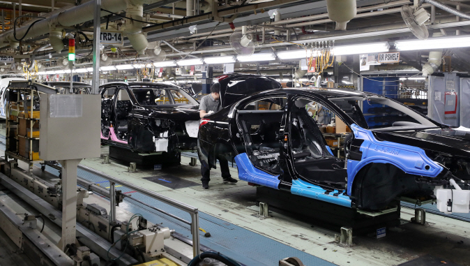 An assembly line of Renault Samsung's plant in Busan on June 12, 2019. (Yonhap)