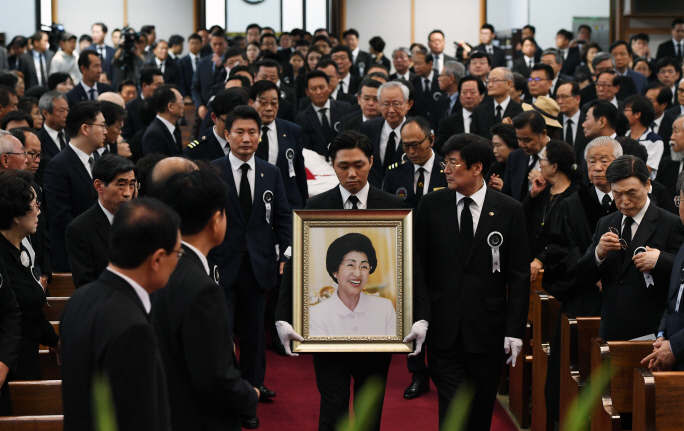 A Christian funeral service is held at a Seoul church on June 14, 2019, for the former first lady Lee Hee-ho. (Yonhap)