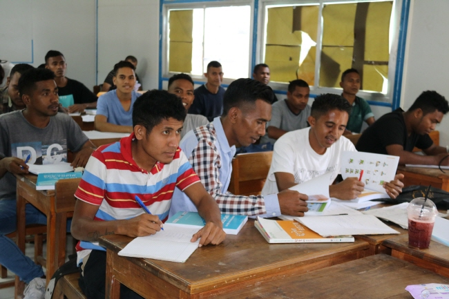 The East Timorese government, jointly with KSLP, a South Korean NGO, currently employs 15 Korean language instructors and offers 50 free Korean language classes to locals. (Yonhap)