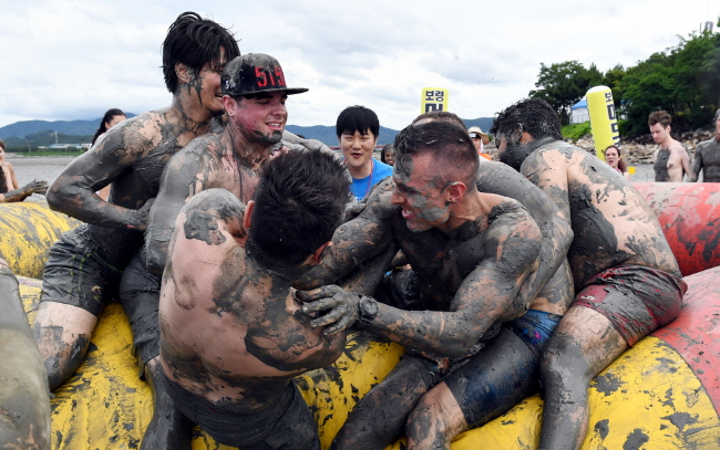 Social Media Influencers Promote Boryeong Mud Festival to the World