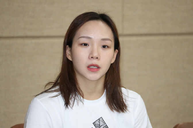 South Korean swimmer Kim Seo-yeong speaks at a press conference after the national team trials at Gimcheon Indoor Swimming Pool in Gimcheon, 230 kilometers southeast of Seoul, on May 21, 2019. (Yonhap)