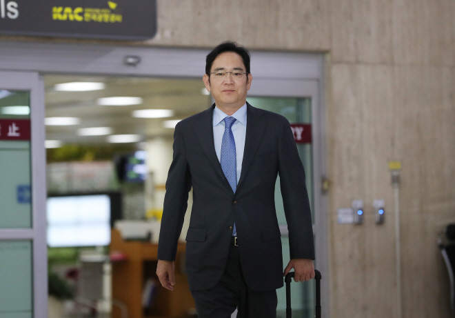 Samsung Electronics Vice Chairman Lee Jae-yong arrives at Gimpo International Airport in Seoul on July 12, 2019, following his visit to Japan to minimize fallout from Tokyo's stricter export regulations. (Yonhap)