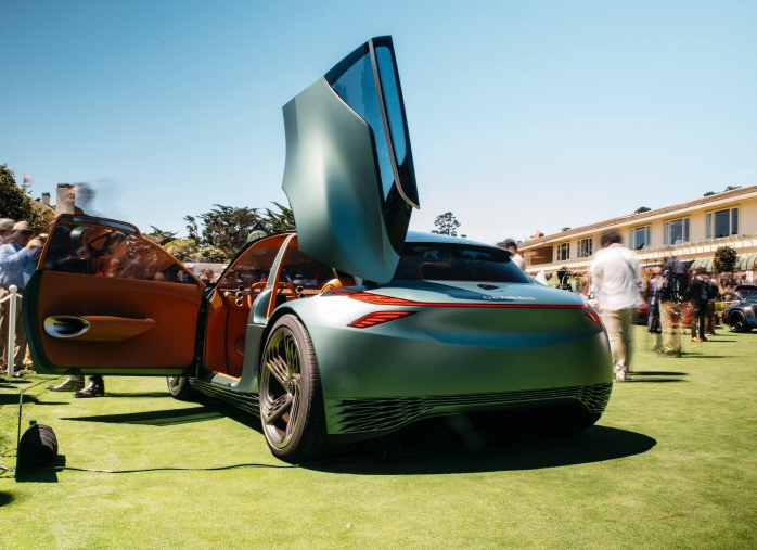 "Genesis' city car concept ""Mint Concept"" displayed at Monterey Car Week 2019 held in California from Aug. 14-18. (image: Genesis)"