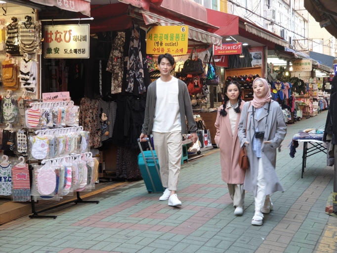 South Korea has been joining forces with Indonesian firms, creating various video content that introduce major tourists' destinations here with Indonesian celebrities. (image: Korea Tourism Organization)