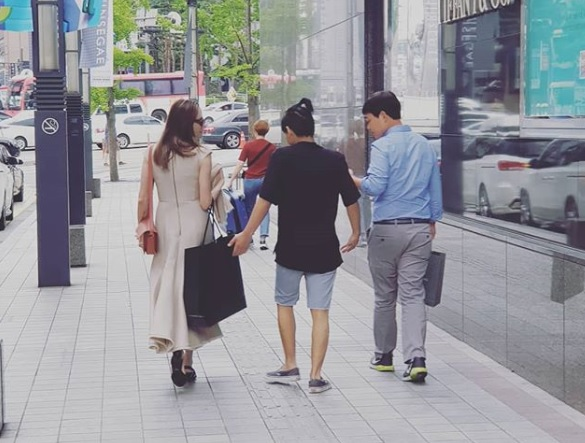 Angelina Jolie Spotted Around Seoul as Parent of Yonsei University Student