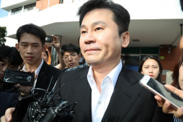 Former YG Chief Said to Deny Charges in Overnight Police Questioning
