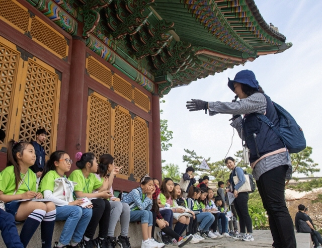Seoul to Launch Revamped Guided Walking Tours in Oct.