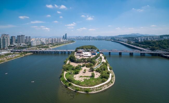 Forlorn Seoul Island Reborn as Cultural Space