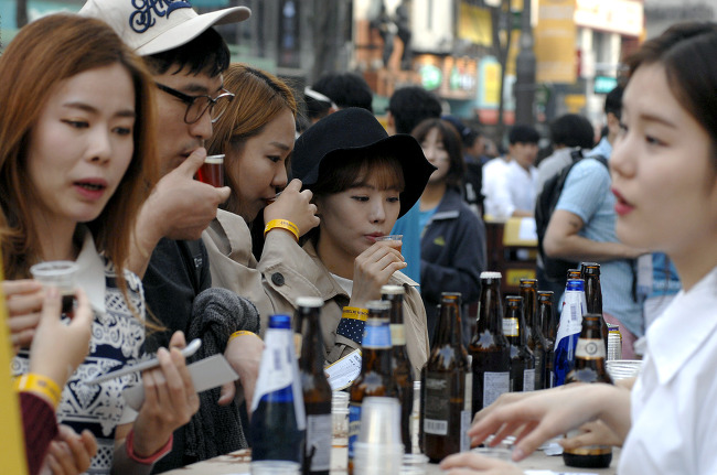Books, Booze on Tap at Sinchon Beer Festival