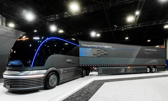 Hyundai Motor's Neptune hydrogen-powered heavy-duty truck concept released at the 2019 North American Commercial Vehicle Show in Atlanta. (image: Hyundai Motor)