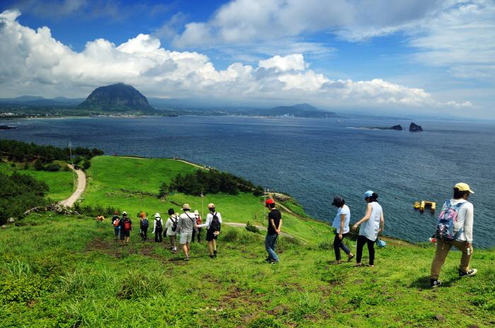 Jeju Olle Walking Festival Celebrates 10th Anniversary