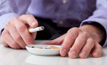 Danger of Sudden Death from Smoking Peaks in 40s and 50s