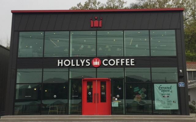 Hollys Coffee received the highest score of 3.99 for accessibility and convenience. (image: Hollys Coffee Co.)