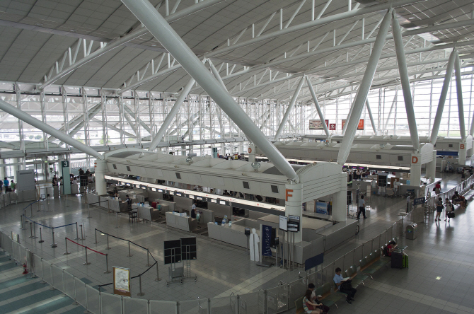 Fukuoka Airport in Fukuoka, Japan. (imge: Public Domain)