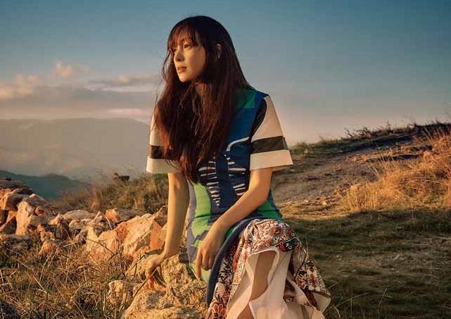 Actress Lee Na-young. (image: Elle Korea)