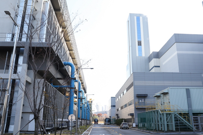 A hydrogen fuel cell power plant in Dongtan, south of Seoul. (image: Korea Energy Agency)