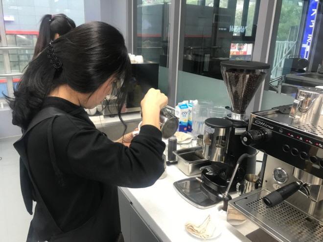 N.K. Defectors Sense Job Opportunities in Coffee