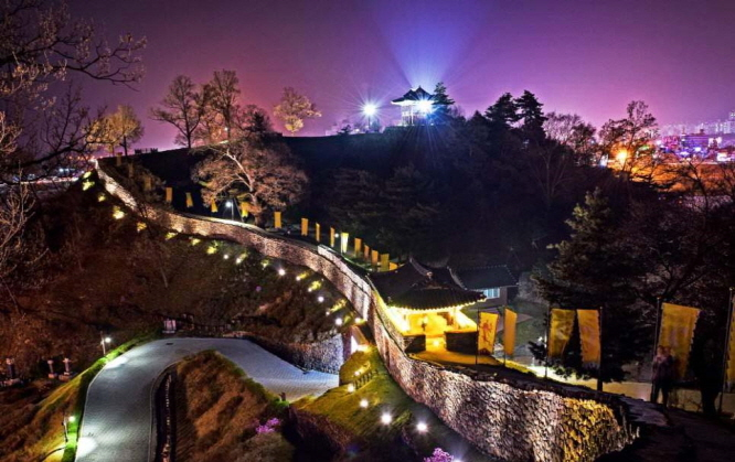 Lighting Project Underscores Beauty of Gongsanseong Fortress at Night