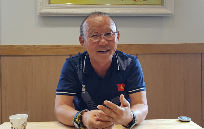 S. Korean Coach for Vietnam Football Seeks 'Long-term Plans' on Path to World Cup, Olympics