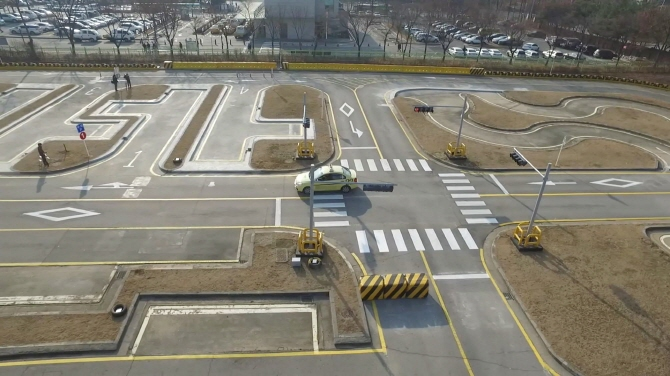 A driver's license test course in South Korea. (Yonhap)