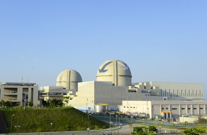The Shin Kori-3 (R) and Shin Kori-4 reactors, located in the southern port city of Ulsan, 414 kilometers from Seoul. (image: Korea Hydro & Nuclear Power Co.)