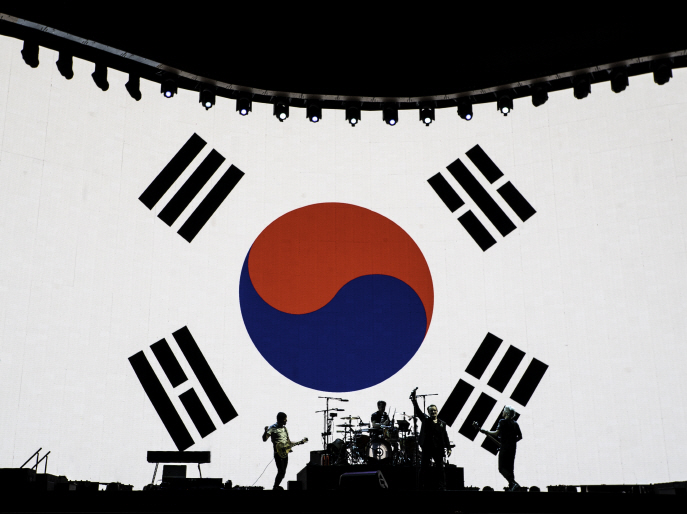 Irish rock band U2 holds its first-ever concert in South Korea at Seoul's Gocheok Sky Dome on Dec. 8, 2019. (Yonhap)
