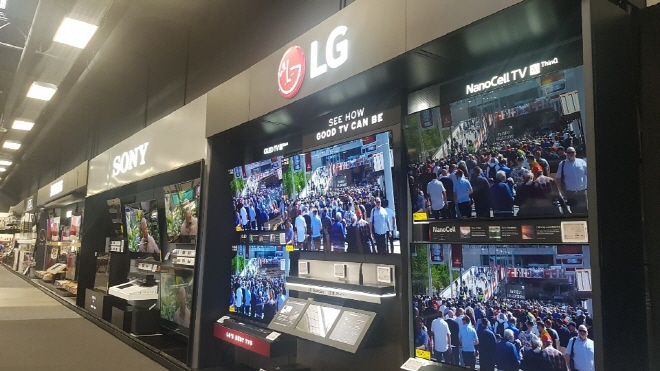 This photo taken Jan. 9, 2020, shows LG Electronics Inc.'s TVs sold at a Best Buy store in Las Vegas, Nevada. (Yonhap)