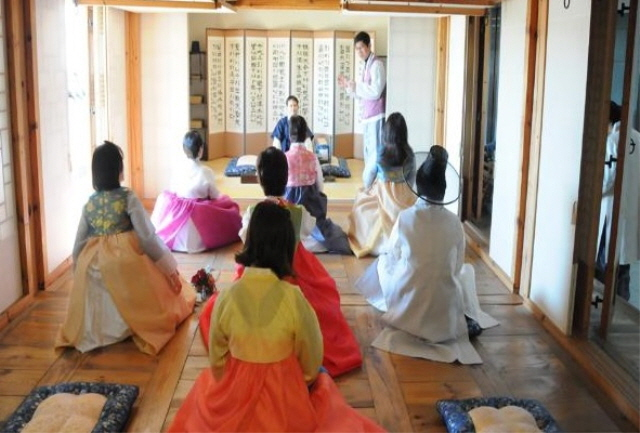 An event to celebrate Lunar New Year in a Korean cultural center in Tokyo, Japan. (image: Korean Culture and Information Service)