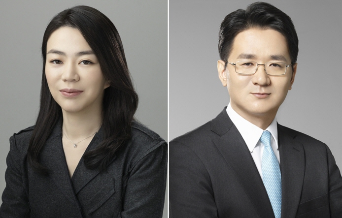 Hanjin Group scions Cho Hyun-ah (L) and Cho Won-tae (R). (image: Korean Air Lines)