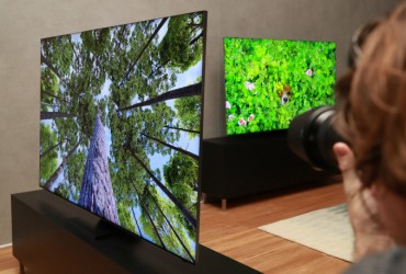 Samsung, LG to Intensify Tech War over TVs After CES