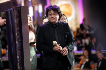 Golden Globe for 'Parasite' Marks Mainstream Success in U.S.