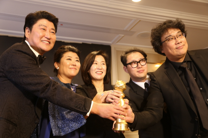 'Parasite' Team Beefs Up Last-minute Oscar Campaign