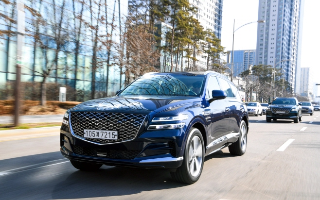 New Genesis GV80 Wows Customers, Hyundai Staff