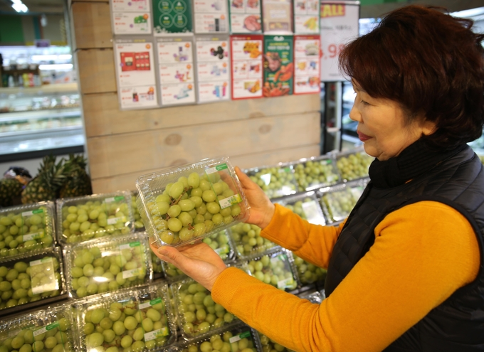 Green Grapes Popular Among Consumers