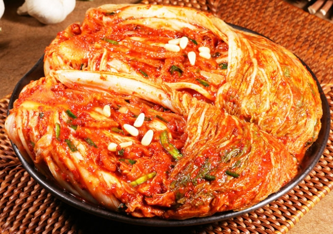 Medical experts say there is no scientific basis for kimchi's effect on the immune system. (image: TMON)