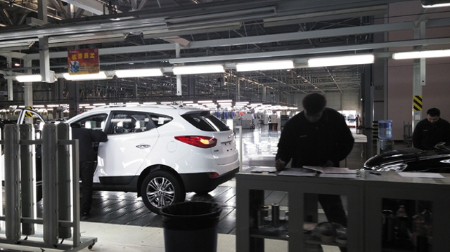 The assembly line of a Hyundai Motor's plant in Beijing. (Yonhap)