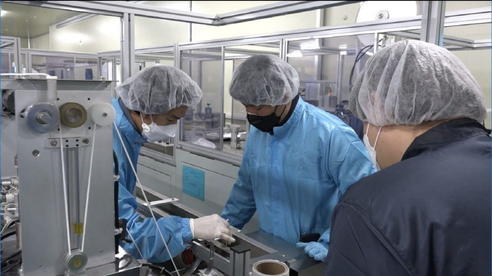 Samsung began helping local mask manufacturers to increase production based on the company's experience of supporting small and medium-sized companies to build 'smart factories'. (image: Samsung Electronics)