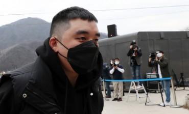 Ex-BIGBANG Member Seungri Begins Military Service