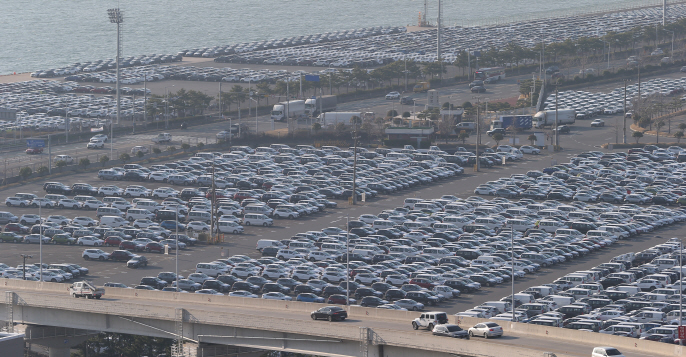 Hyundai, Kia Workers Return to Workplaces to Handle Virus Impact