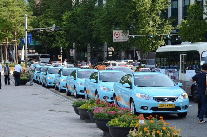 Seoul to Offer Subsidies for 700 Electric Cabs