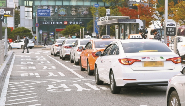 Seoul Cabs to Screen Digital Advertisements