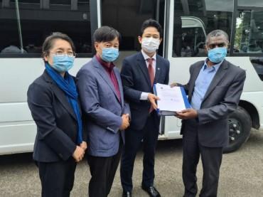 Korean Mobile Medical Clinic Crisscrosses Madagascar