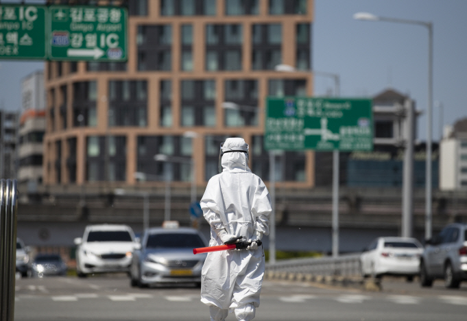 Cost of Treating Critical Coronavirus Case Reaches 70 mln Won