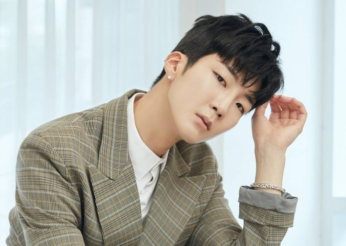 WINNER's Lee Seung-hoon to Start Military Service This Week